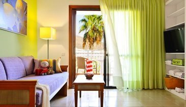 Family apartments  Hotel Coral Compostela Beach