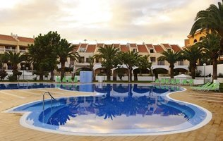 Swimming pool Hotel Coral Compostela Beach