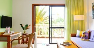 A2 apartment with pool views Coral Compostela Beach Hotel